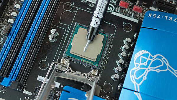 Apply thermal paste to lower CPU overheating problem